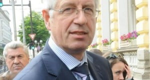 Румен Овчаров